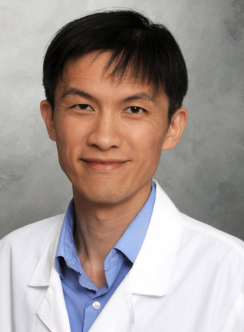 Photo of physician Sian Yik Lim