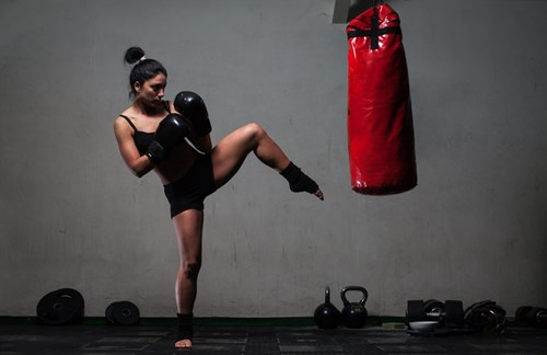 Build muscles, endurance and killer confidence with kickboxing!