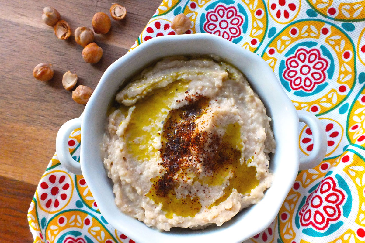 Traditional Garlic Hummus