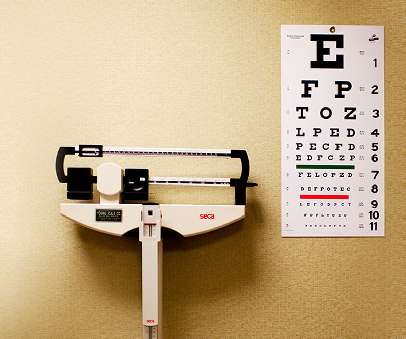 doctor scale and eye test chart