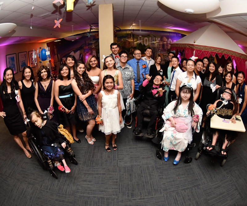 Group photo of the Kapiolani prom
