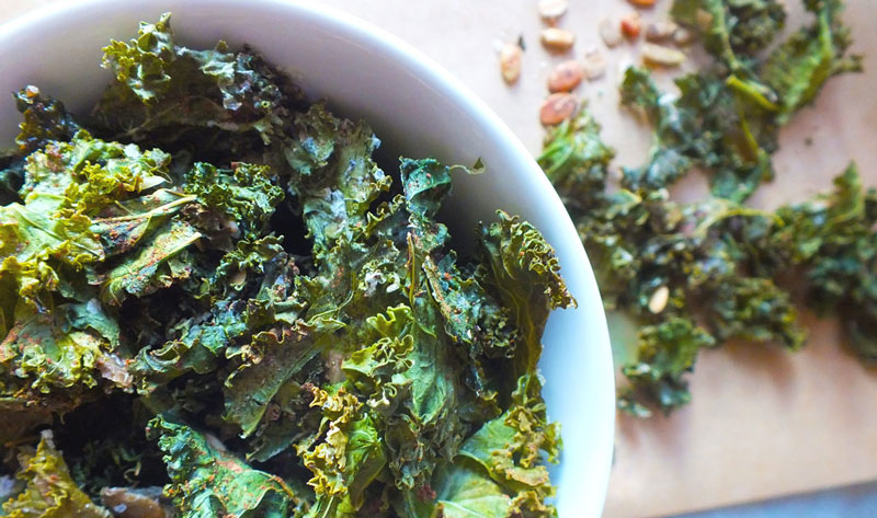 Eat Healthy: Crunchy Kale Chips with Chinese Five-Spice & Seeds