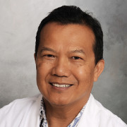 Photo of physician Raymond Lee